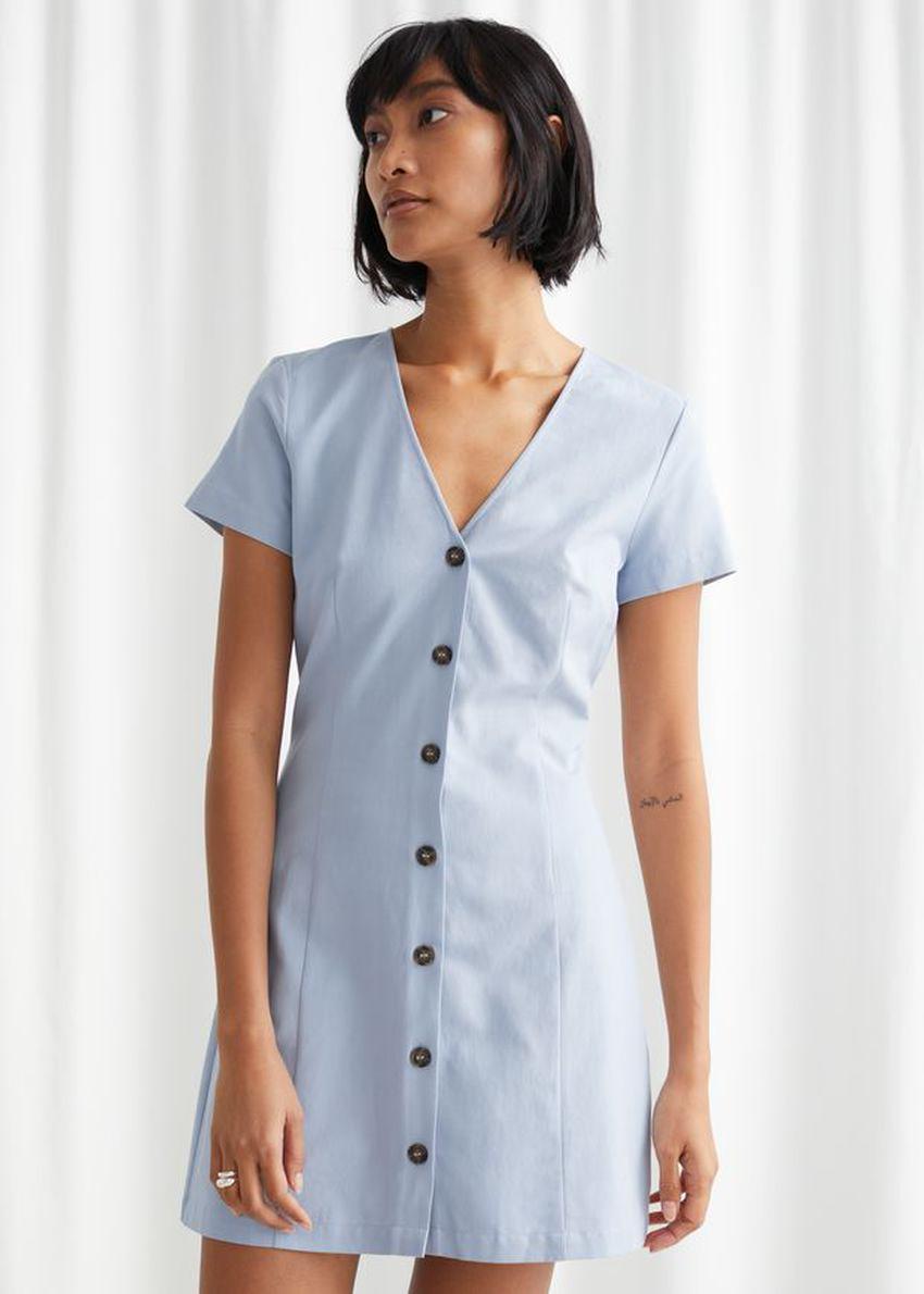앤아더스토리즈 아우어글래스 코튼 블렌드 미니 드레스의 라이트 블루컬러 ECOMLook입니다.