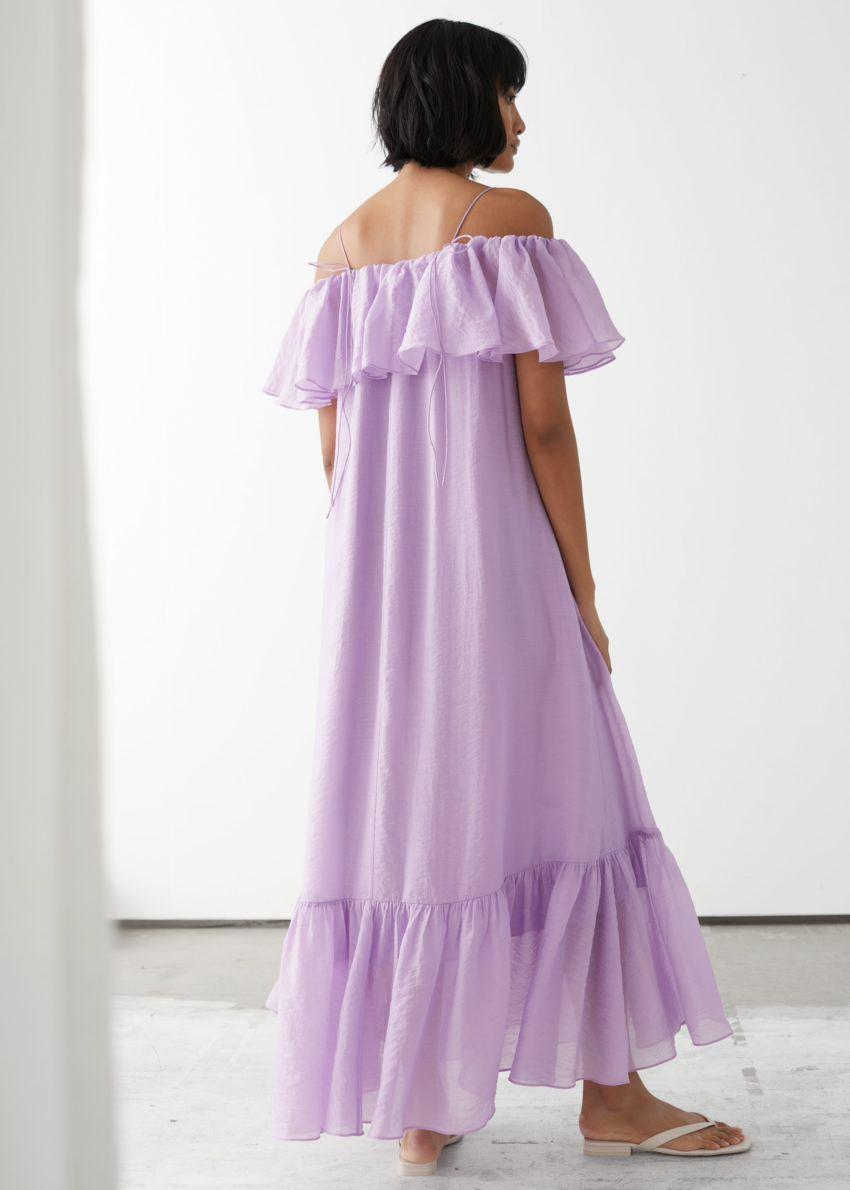앤아더스토리즈 프릴 맥시 드레스의 라일락컬러 ECOMLook입니다.