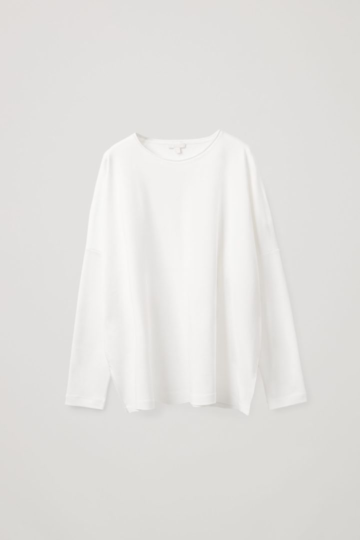 COS 롱 슬리브 티셔츠의 화이트컬러 Product입니다.