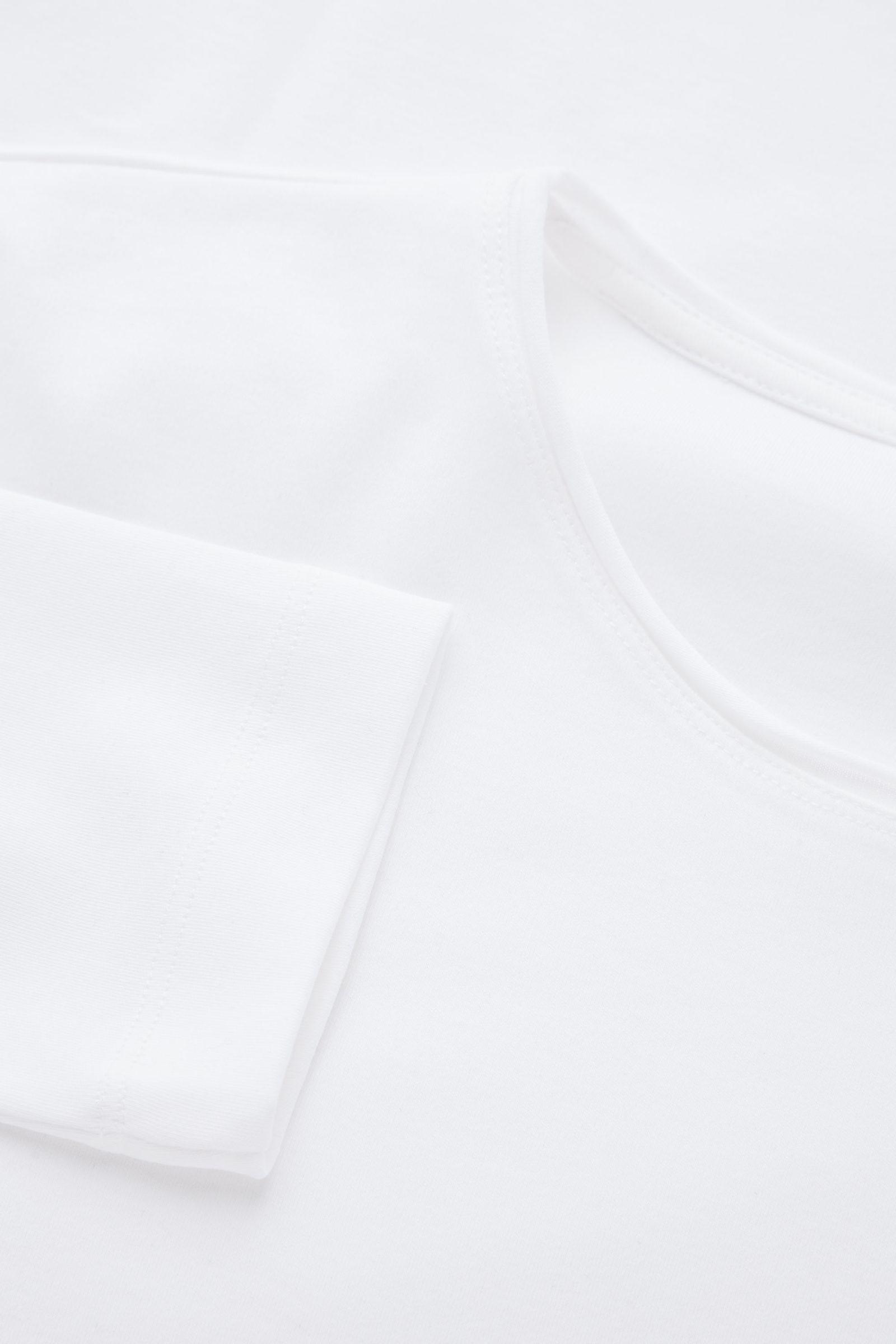 COS 롱 슬리브 티셔츠의 화이트컬러 Detail입니다.