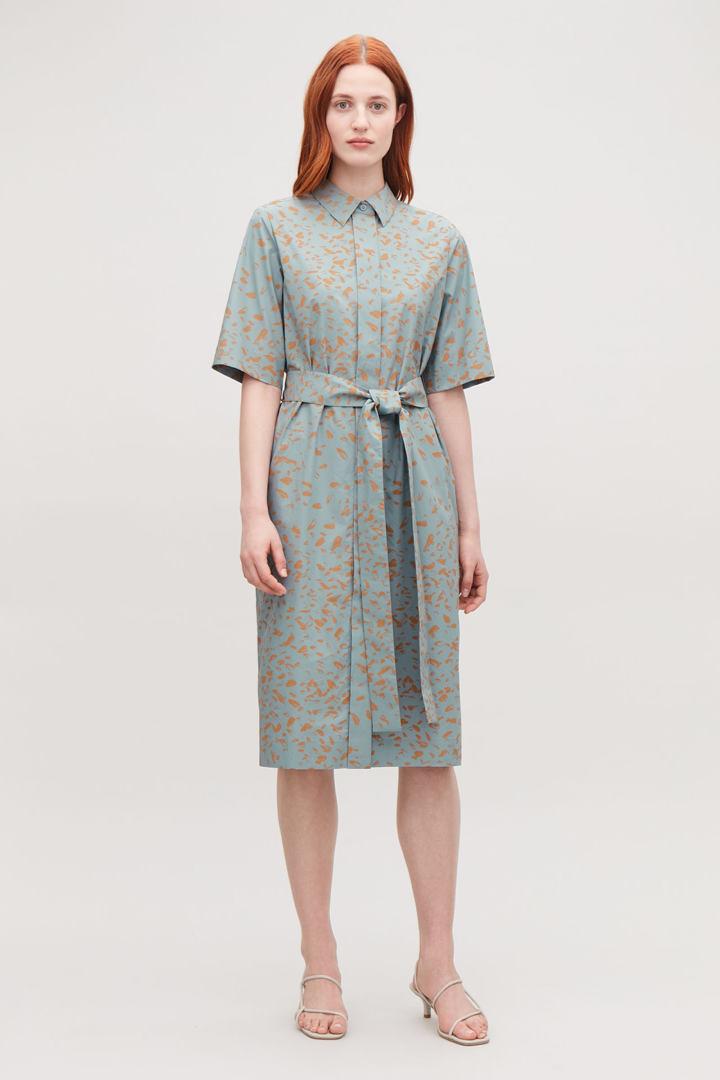 COS default image 9 of 터쿼이즈 in 프린티드 코튼 셔츠 드레스