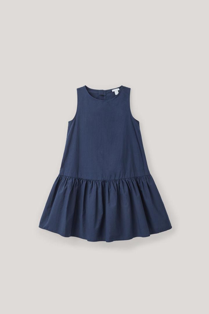 COS hover image 7 of 블루 in 개더드 프릴 코튼 드레스