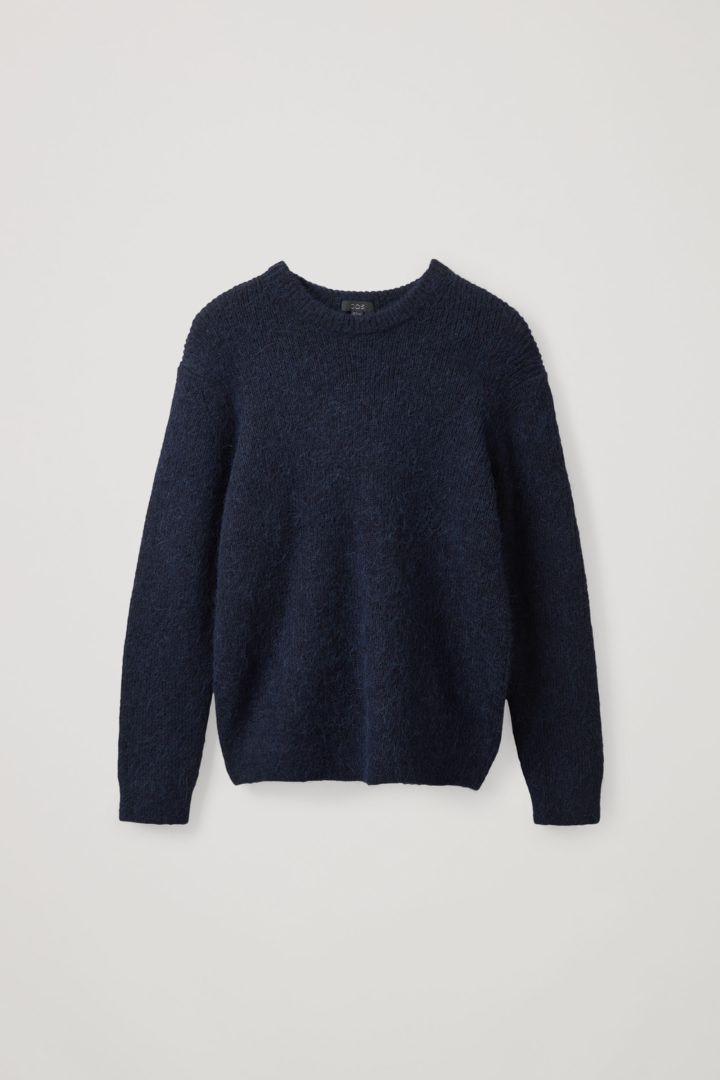 COS hover image 9 of 블루 in 브러쉬드 울 크루넥 스웨터