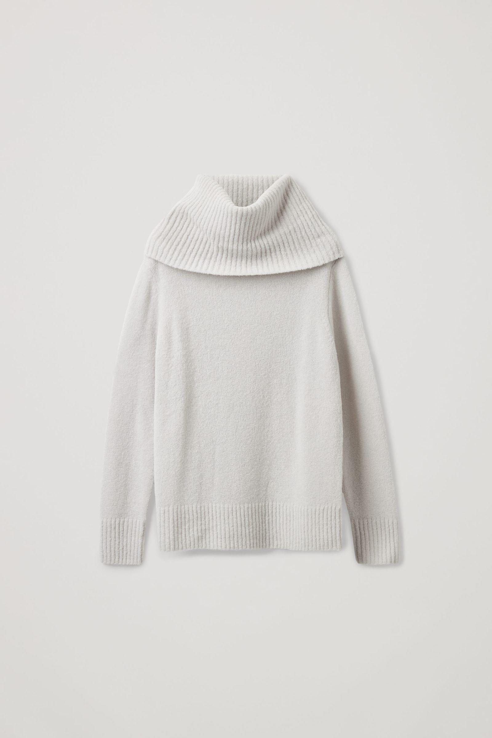 COS 울 하이브리드 롤넥 스웨터의 라이트 그레이컬러 Product입니다.