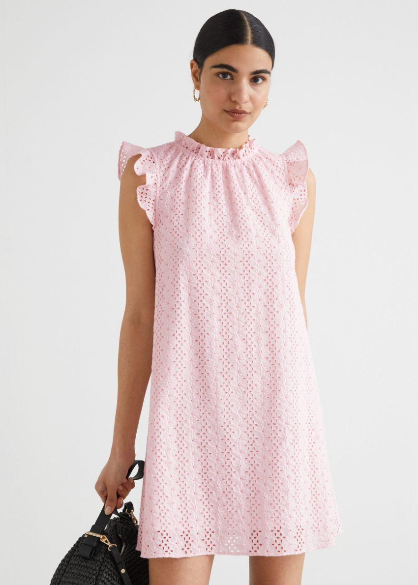 앤아더스토리즈 프릴 브로드리 앙글레즈 미니 드레스의 라이트 핑크컬러 ECOMLook입니다.