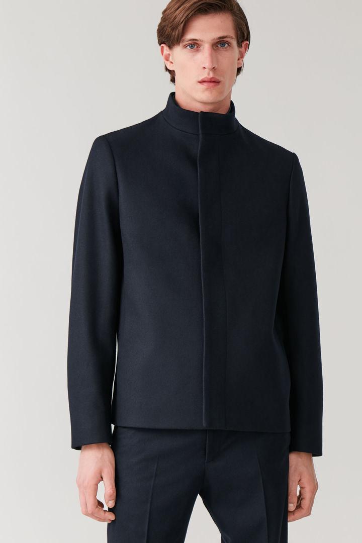 COS default image 10 of 블루 in 퍼널 넥 울 캐시미어 재킷