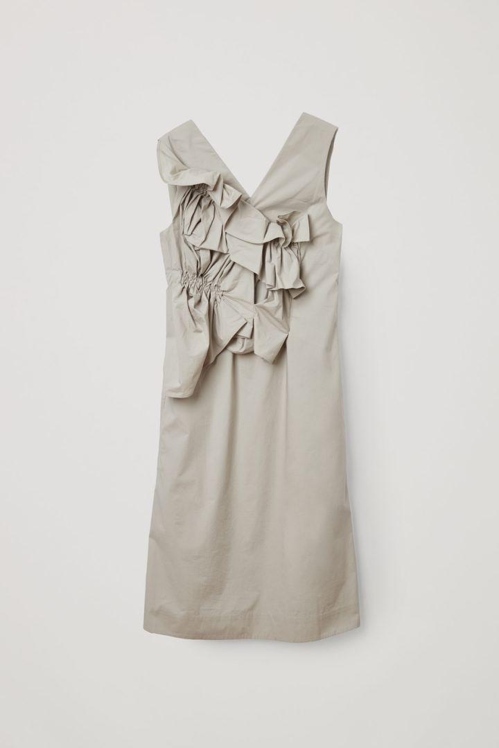 COS 오가닉 코튼 루쉬드 패널 드레스의 그레이컬러 Product입니다.
