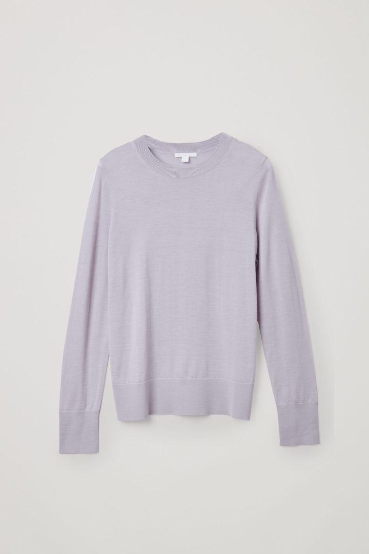 COS 메리노 울 크루넥 스웨터의 퍼플컬러 Product입니다.