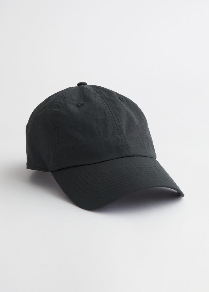앤아더스토리즈 테크니컬 나일론 베이스볼 캡의 블랙컬러 Product입니다.