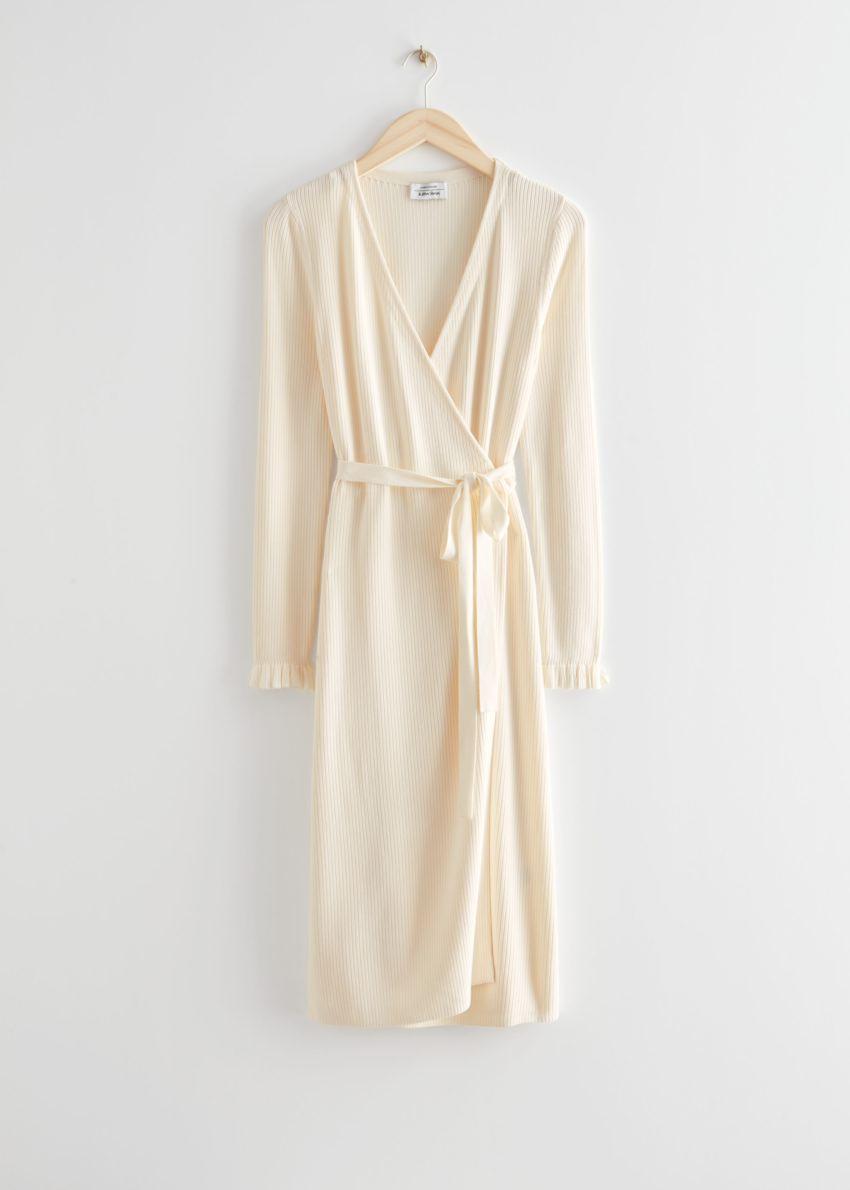 앤아더스토리즈 립 미디 랩 드레스의 크림컬러 Product입니다.