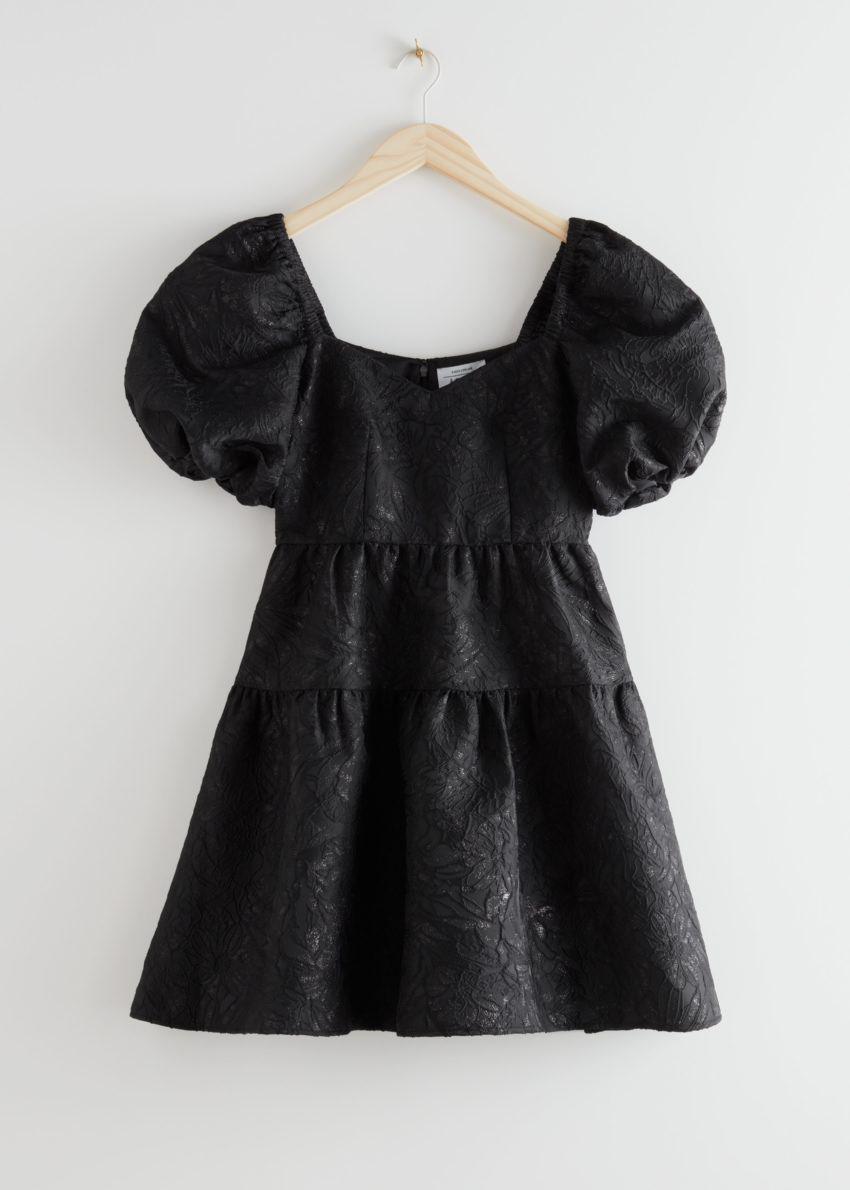 앤아더스토리즈 와이드 퍼프 슬리브 자카드 미니 드레스의 블랙컬러 Product입니다.