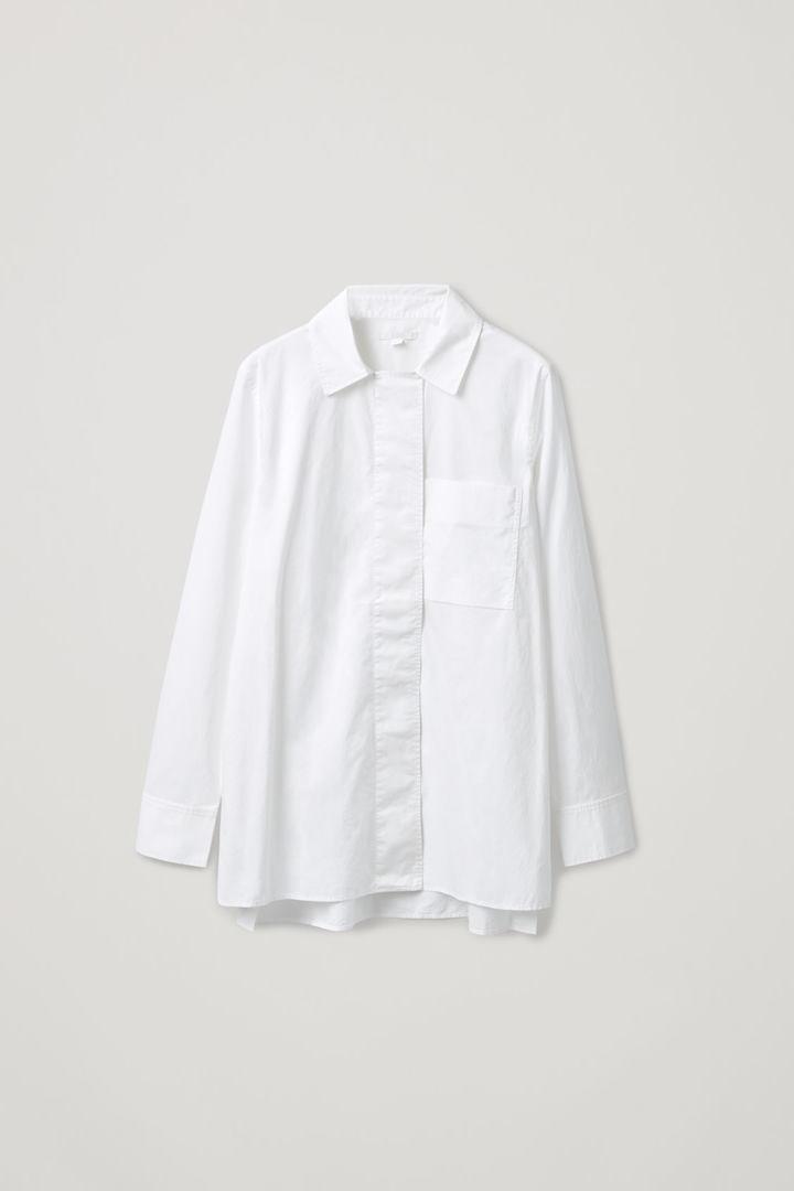 COS hover image 4 of 화이트 in 히든 플래킷 코튼 셔츠
