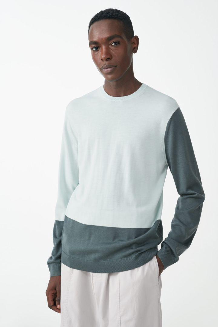 COS default image 4 of 터쿼이즈 in 메리노 크루넥 스웨터
