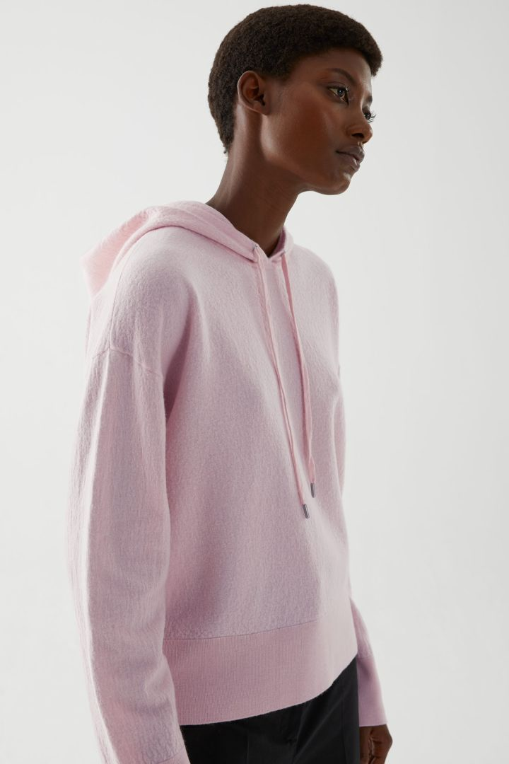COS default image 7 of 핑크 in 보일드 울 후디드 스웨터