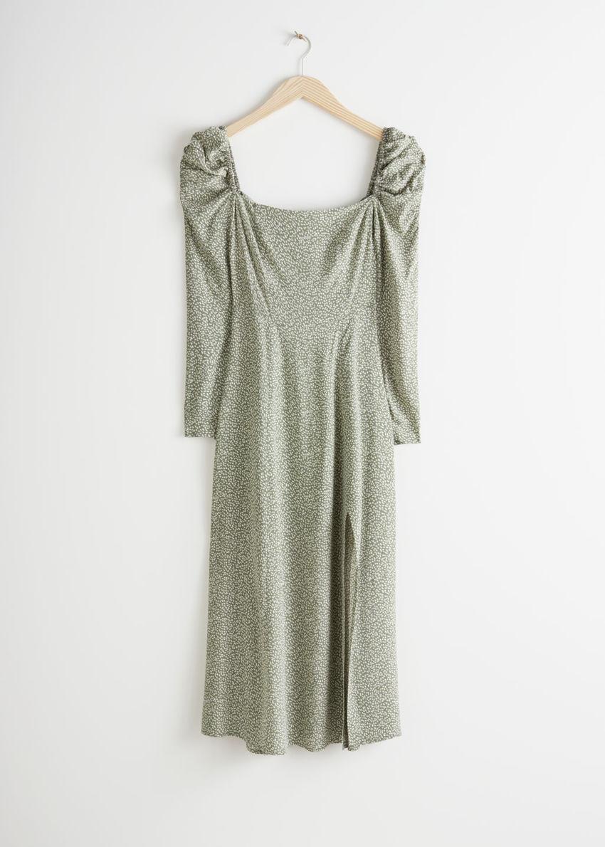 앤아더스토리즈 퍼프 숄더 미디 스모크 드레스의 그린 화이트컬러 Product입니다.
