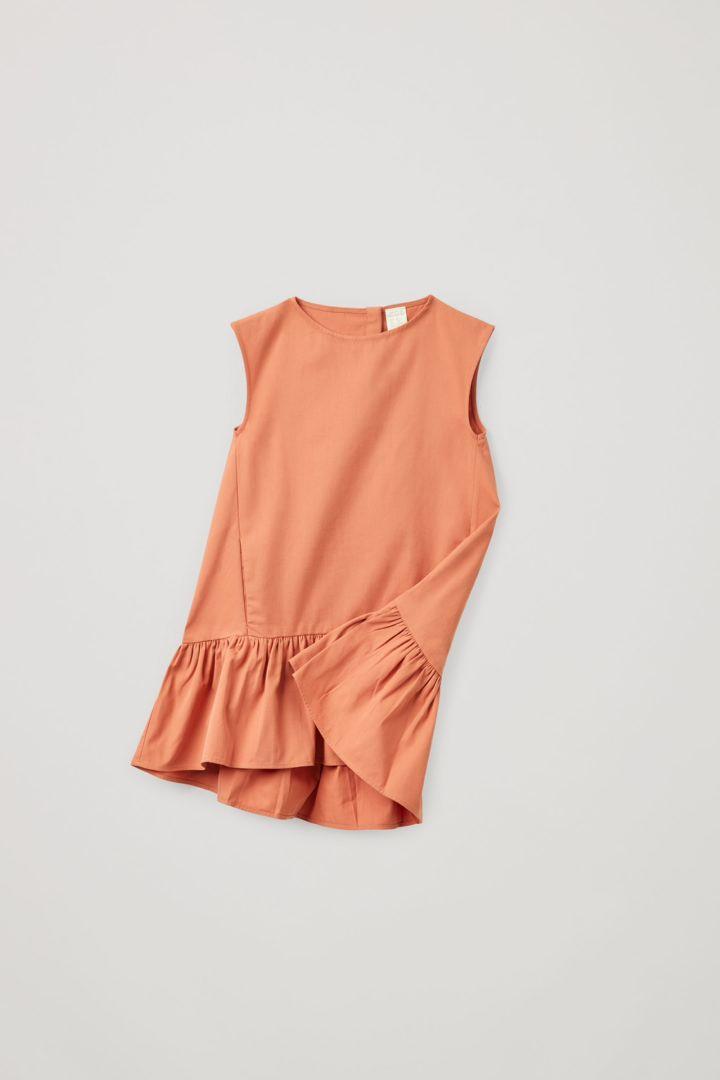 COS 개더드 헴 드레스의 브라이트 오렌지컬러 Product입니다.