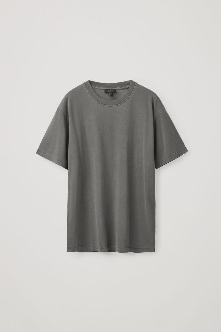 COS 오버사이즈 핏 티셔츠의 다크 그레이컬러 Product입니다.