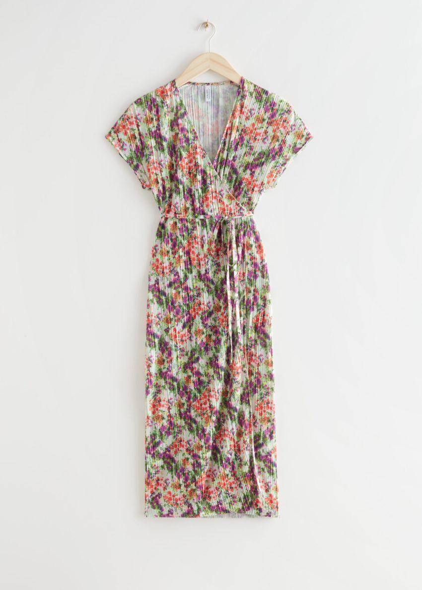 앤아더스토리즈 슬리브리스 플리세 플리츠 미디 랩 드레스의 플로럴 프린트컬러 Product입니다.