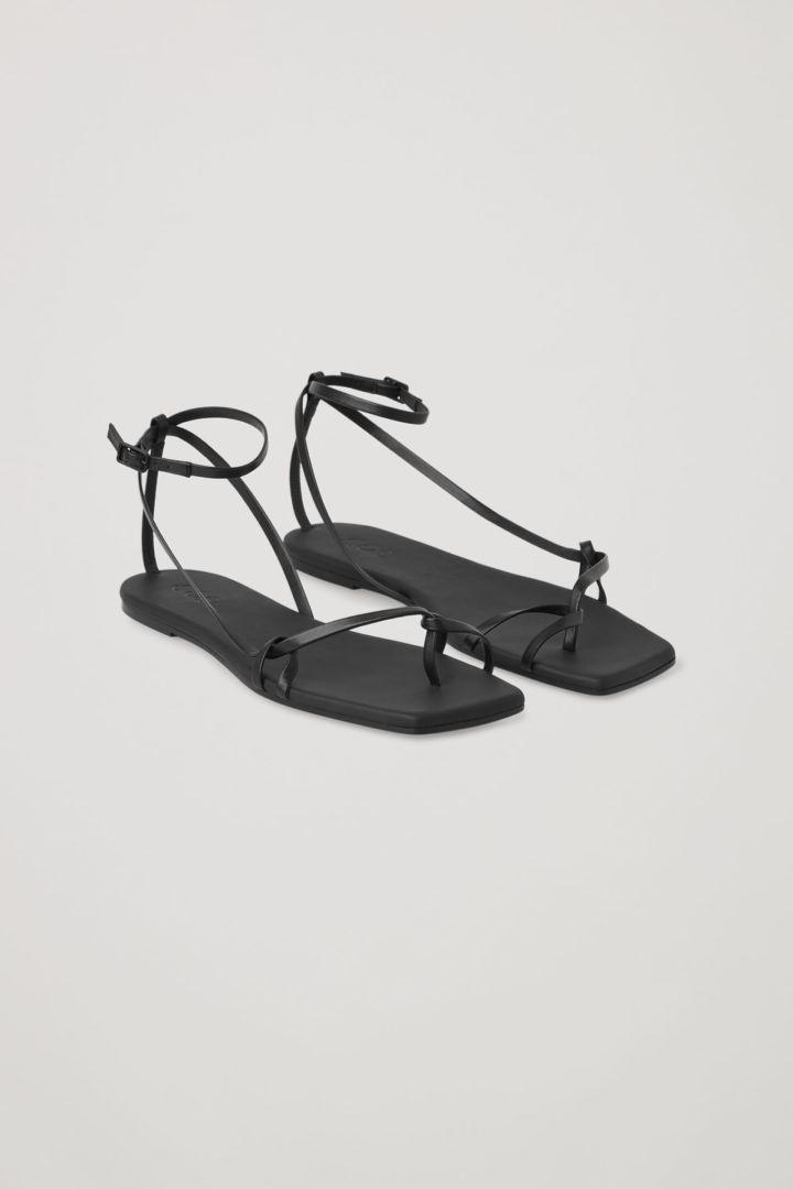 COS default image 4 of Black in 레더 스트랩 플랫 샌들