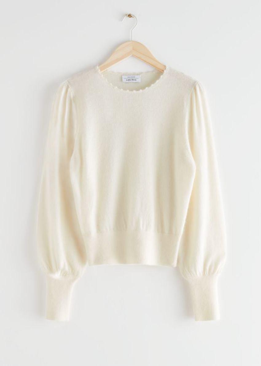 앤아더스토리즈 릴렉스드 알파카 블렌드 보블 넥 스웨터의 크림컬러 Product입니다.