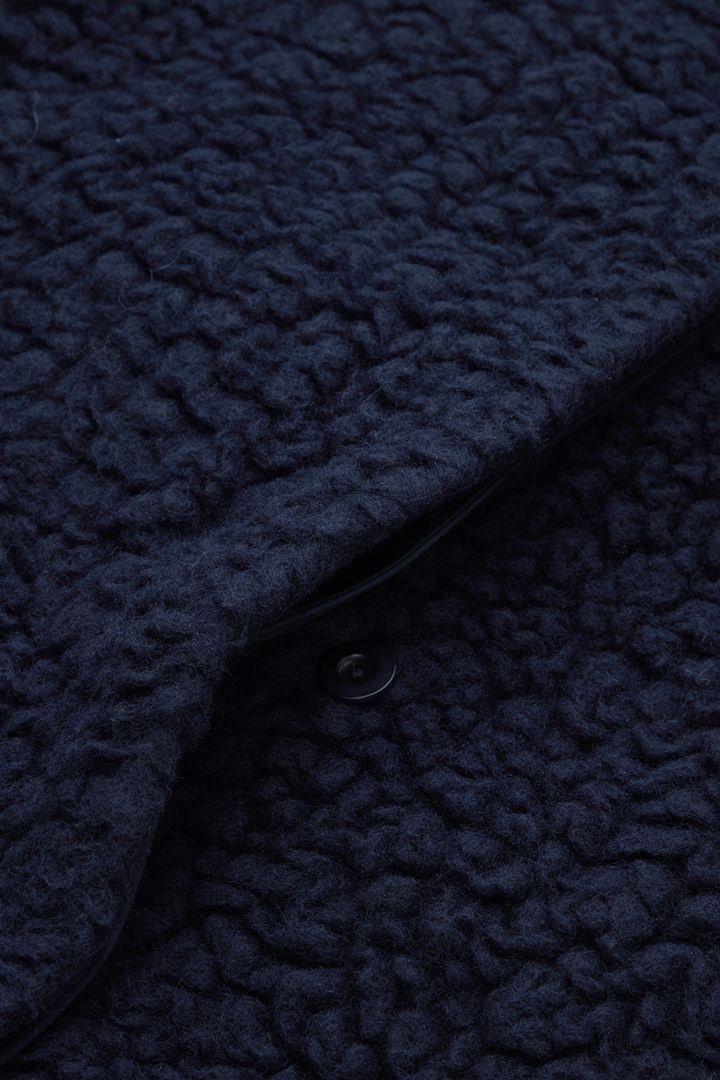 COS 울 테디 플리스 코트의 네이비컬러 Detail입니다.