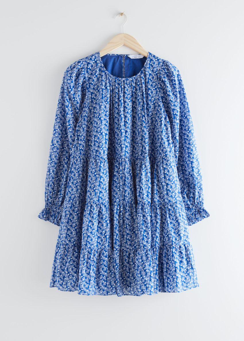 앤아더스토리즈 볼류미너스 트윌 미니 드레스의 블루 플로럴컬러 Product입니다.