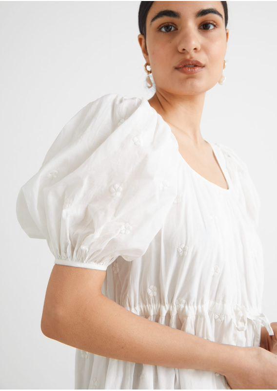 &OS image 2 of 화이트 in 티어드 퍼프 슬리브 미니 드레스