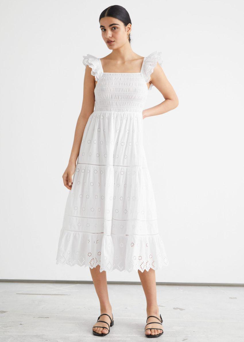 앤아더스토리즈 엠브로이더리 슬리브리스 미디 드레스의 화이트컬러 ECOMLook입니다.
