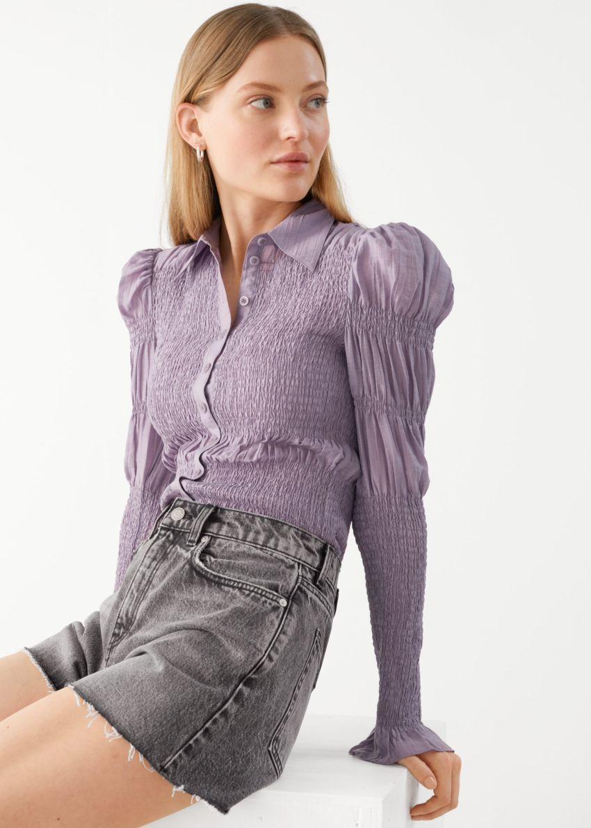 앤아더스토리즈 피티드 스모크 셔츠의 퍼플컬러 ECOMLook입니다.