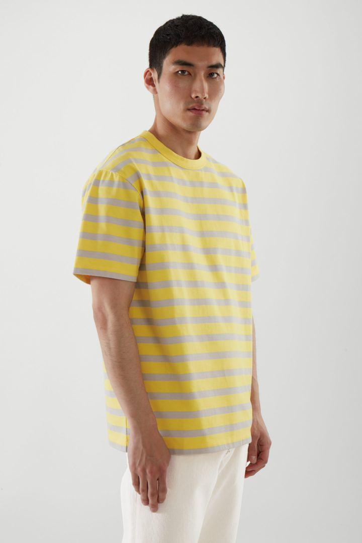 COS default image 9 of 옐로우 in 릴랙스드 핏 스트라이프 티셔츠