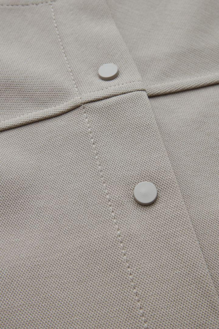 COS 릴랙스드 코튼 믹스 재킷의 베이지컬러 Detail입니다.