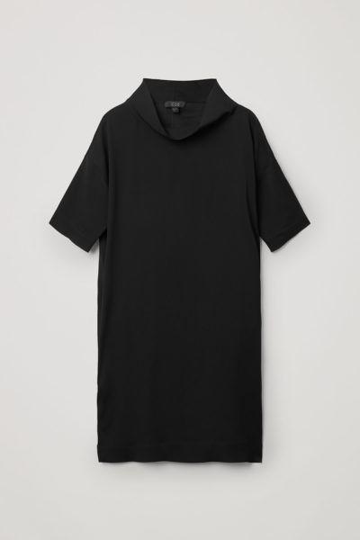 COS default image 7 of 블랙 in 카울 넥 크레이프 드레스