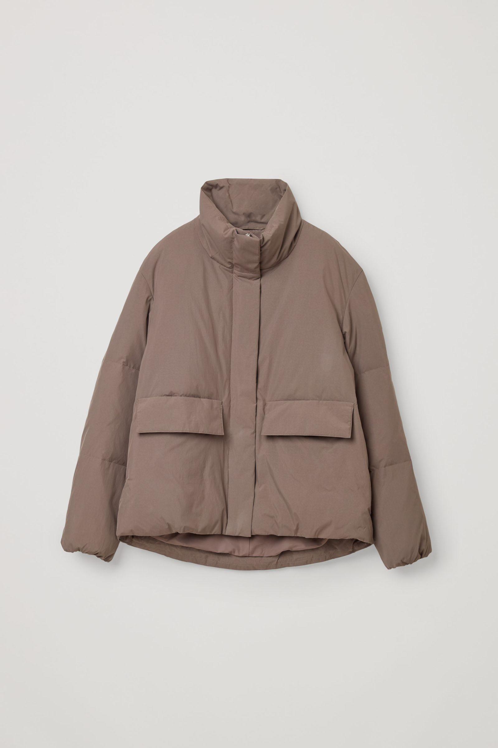 COS 패딩 푸퍼 재킷의 몰 그레이컬러 Product입니다.