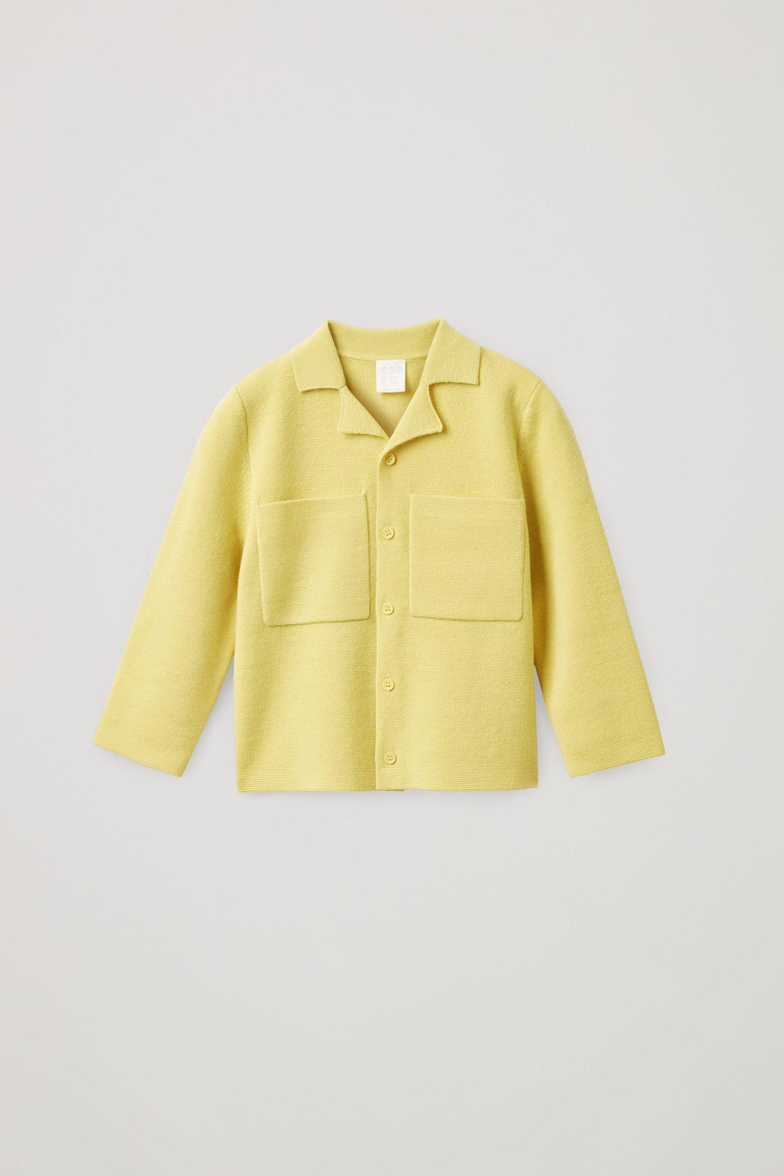 COS 니티드 울 재킷의 옐로우컬러 Product입니다.