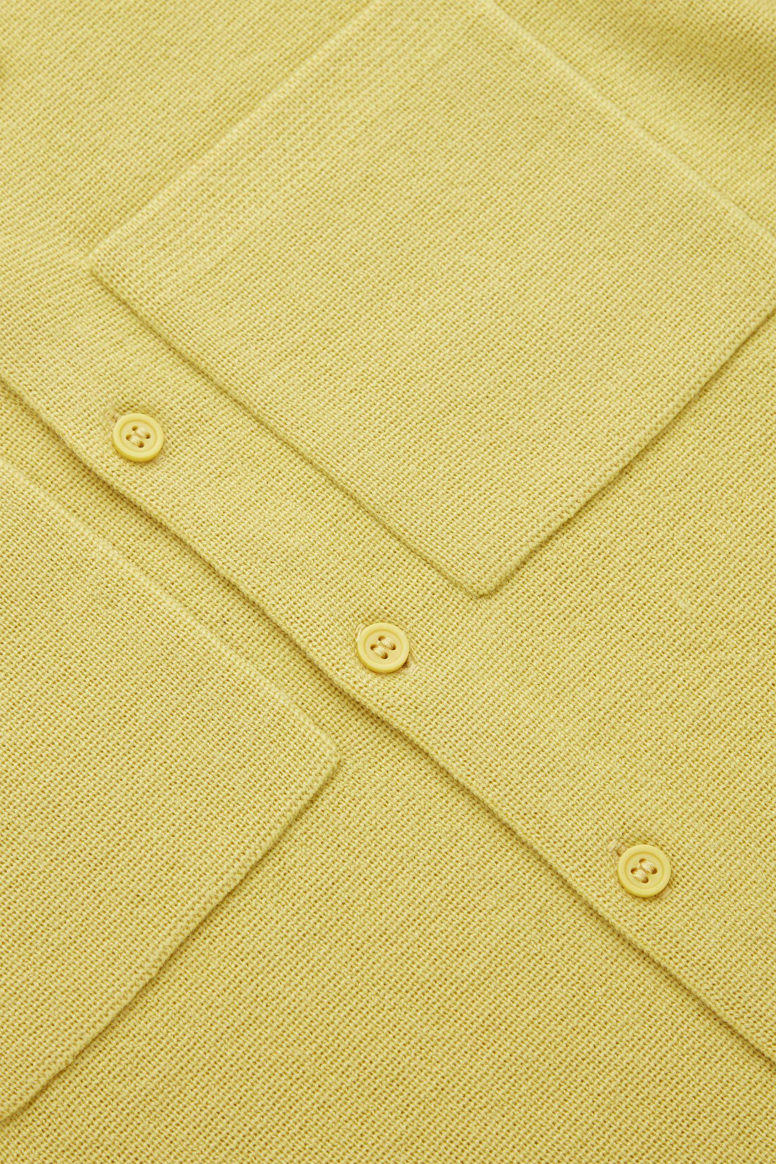 COS 니티드 울 재킷의 옐로우컬러 Detail입니다.
