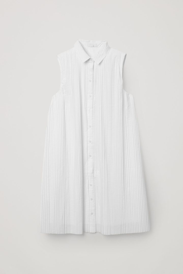 COS hover image 9 of 화이트 in 슬리브리스 플리티드 셔츠 드레스