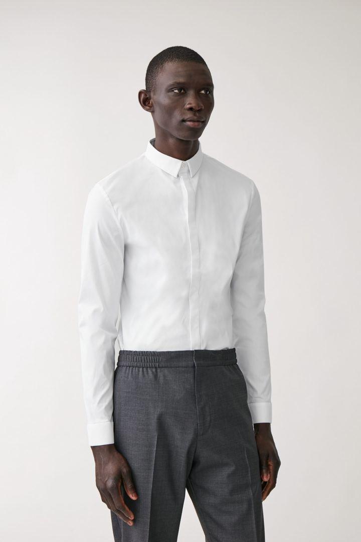 COS default image 1 of 화이트 in 슬림핏 스트레치 셔츠