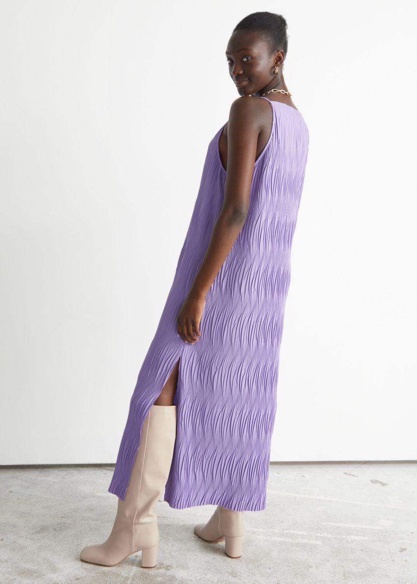 앤아더스토리즈 플리세 플리츠 맥시 드레스의 라일락컬러 ECOMLook입니다.