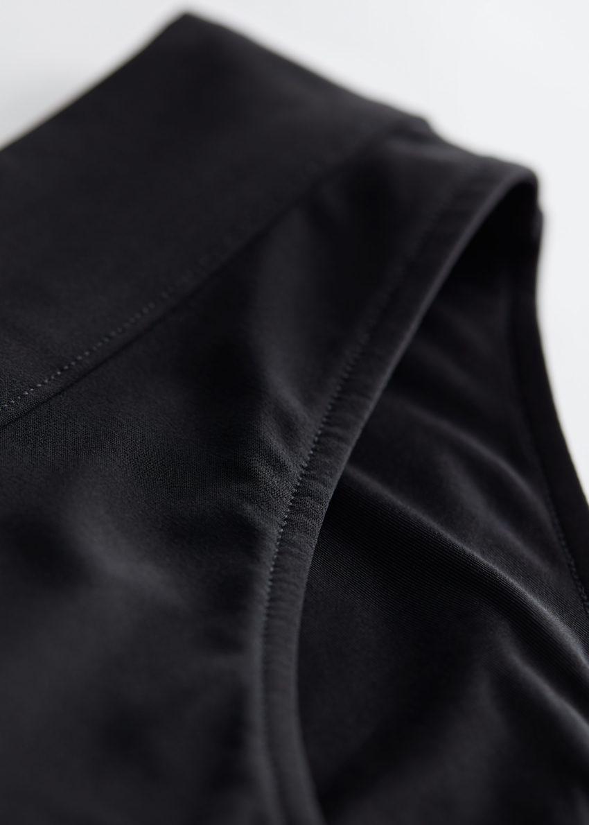 앤아더스토리즈 비키니 브리프의 블랙컬러 Detail입니다.