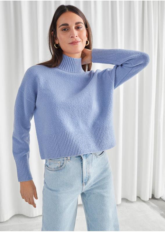 &OS image 11 of 블루 in 크롭 모크 넥 스웨터