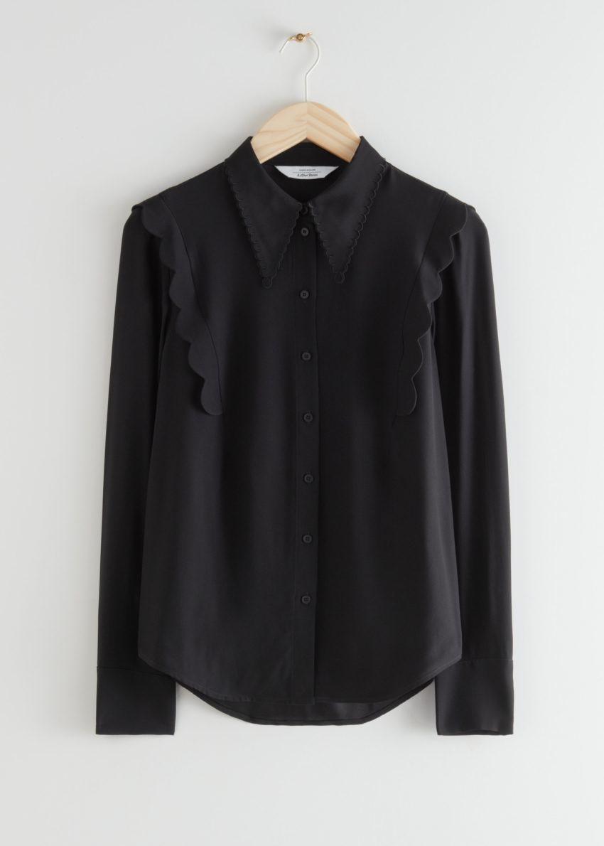 앤아더스토리즈 스캘럽 자카드 셔츠의 블랙컬러 Product입니다.
