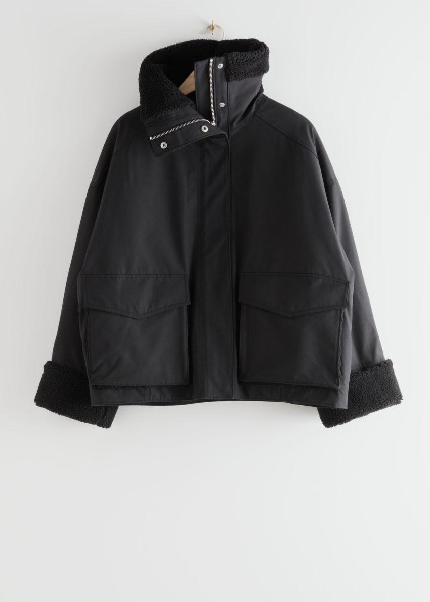 앤아더스토리즈 오버사이즈 박시 셜링 재킷의 블랙컬러 Product입니다.