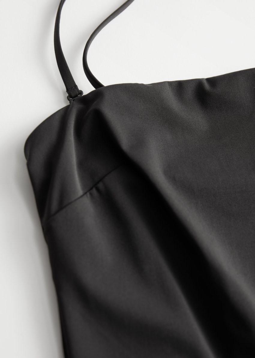 앤아더스토리즈 스퀘어 컷 스파게티 스트랩 스윔수트의 블랙컬러 Detail입니다.