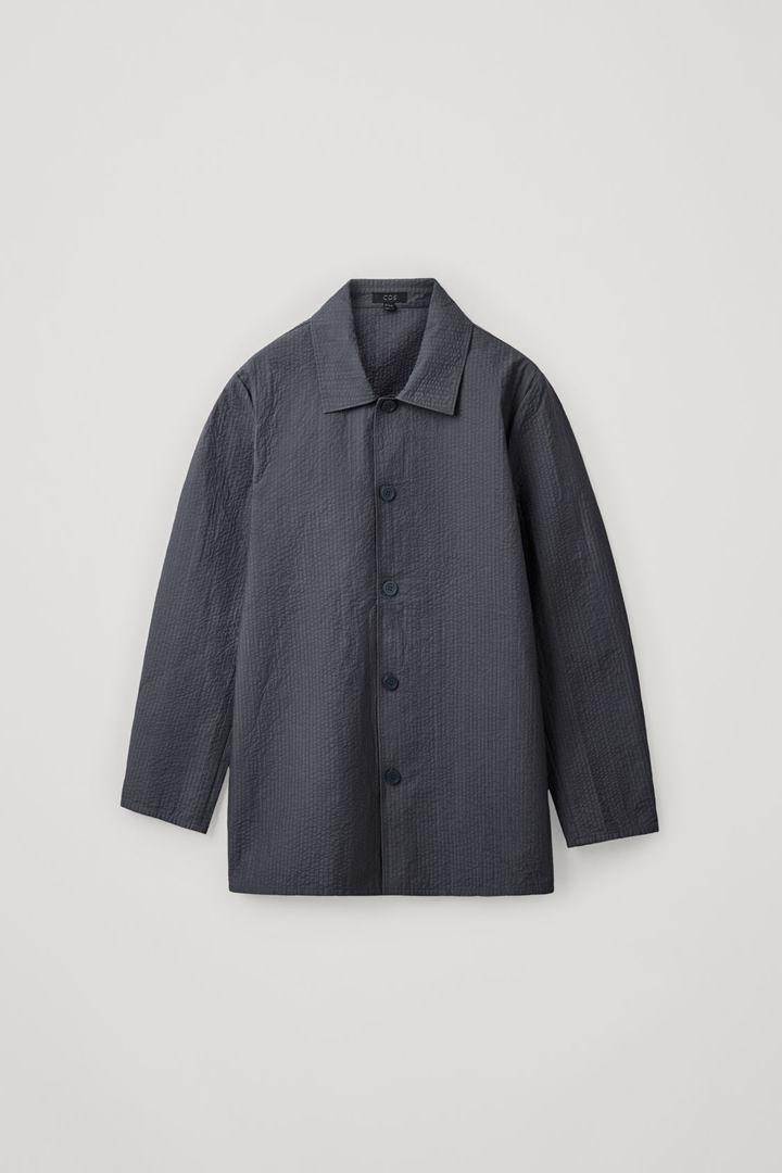COS 탑스티치드 패디드 셔츠의 그레이컬러 Product입니다.