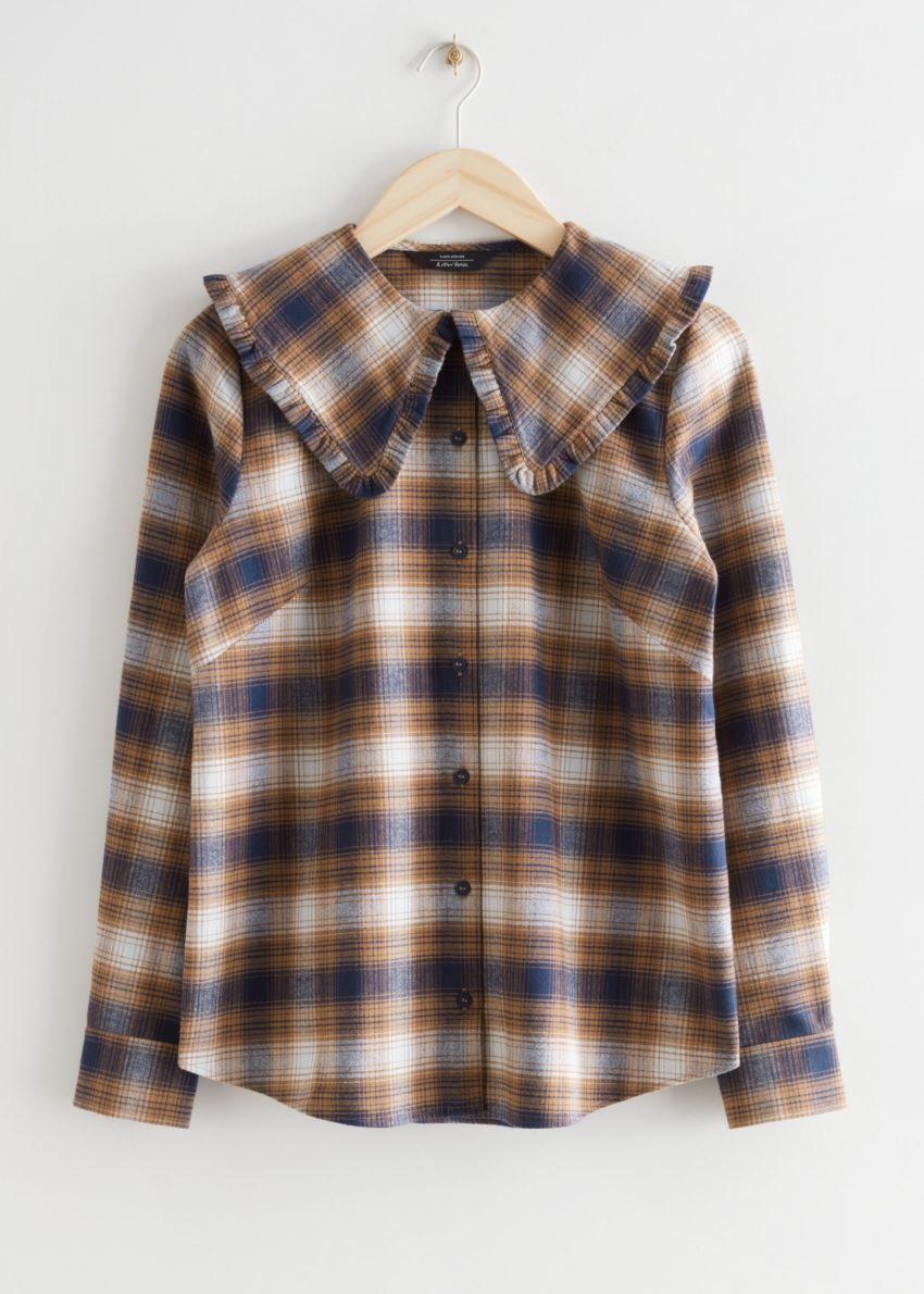 앤아더스토리즈 러플 카라 코튼 셔츠의 블루 체크컬러 Product입니다.