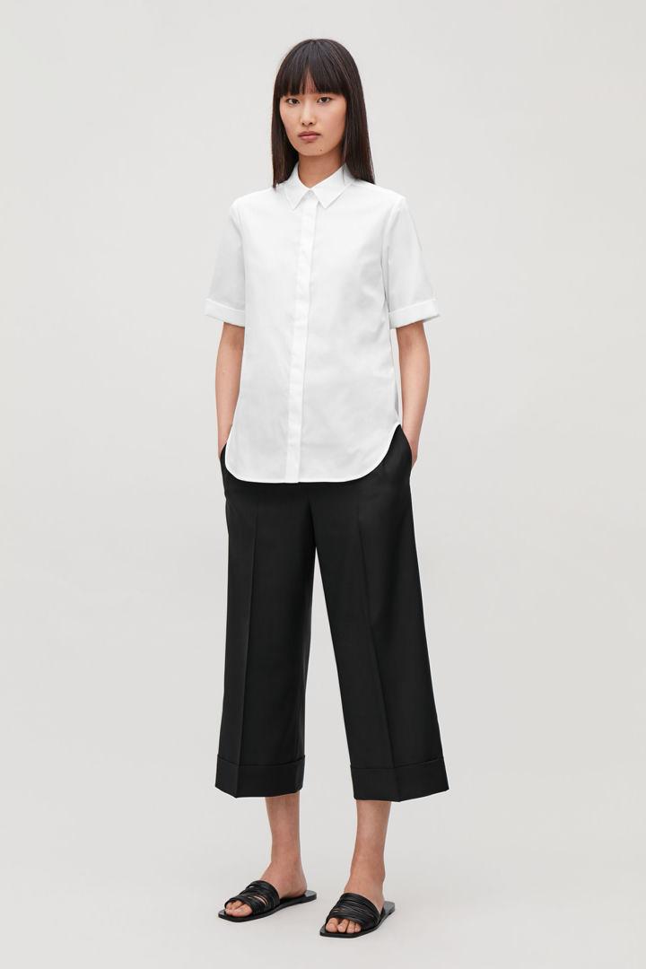 COS default image 4 of 화이트 in 턴업 슬리브 슬림 셔츠