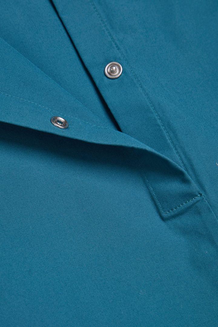 COS 쇼트 슬리브 코튼 드레스의 블루컬러 Detail입니다.