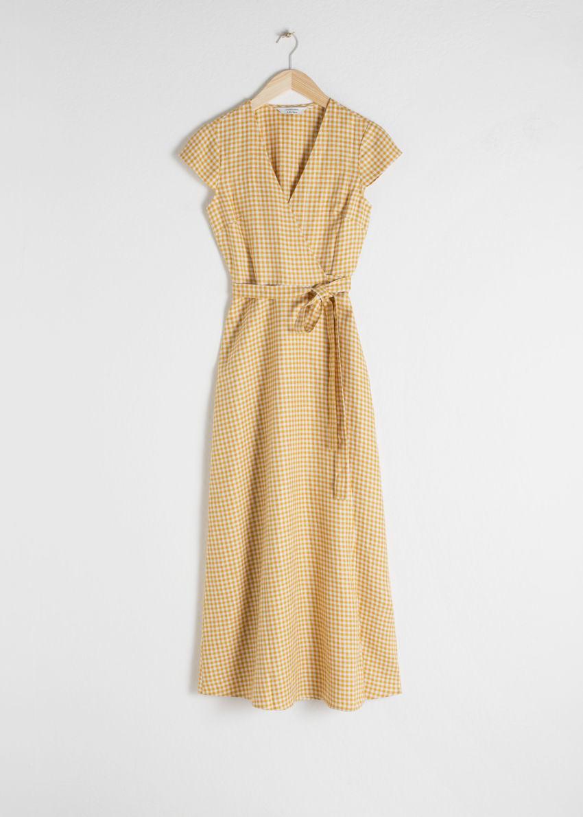 앤아더스토리즈 깅엄 리넨 미디 랩 드레스의 옐로우 깅엄컬러 Product입니다.