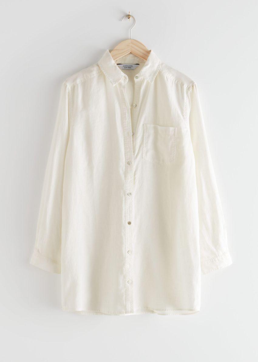 앤아더스토리즈 오버사이즈 리넨 셔츠의 화이트컬러 Product입니다.