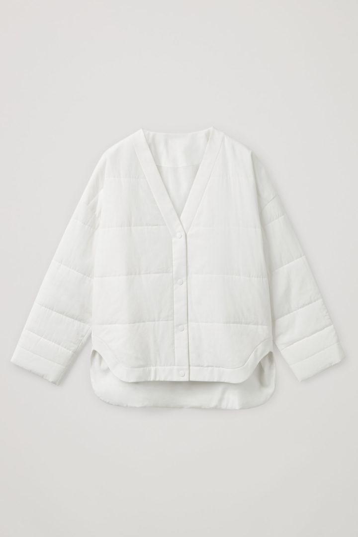 COS 패딩 버튼업 재킷의 화이트컬러 Product입니다.